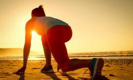 زن تناسب اندام آماده برای در حال اجرا