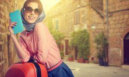 دختر زیبا در خیابان از شهرستان ایتالیایی
