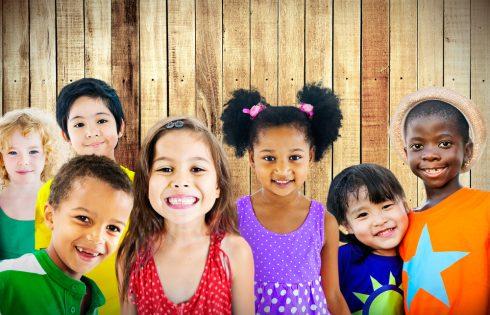 تنوع کودکان دوستی معصومیت لبخند