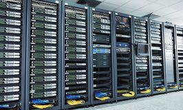اتاق سرور شبکه با کامپیوتر